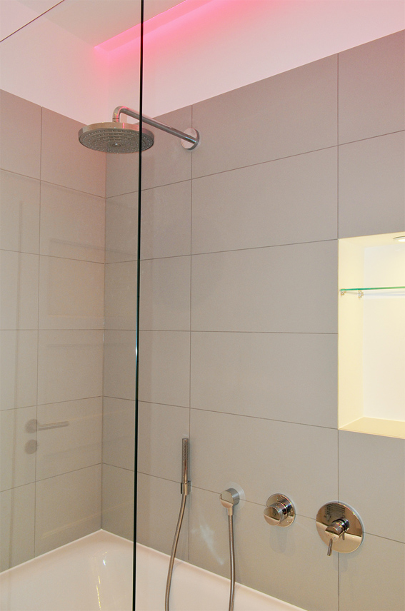 Innenarchitekt badplanung lichtplanung honeyandspice for Badezimmer innenarchitekt